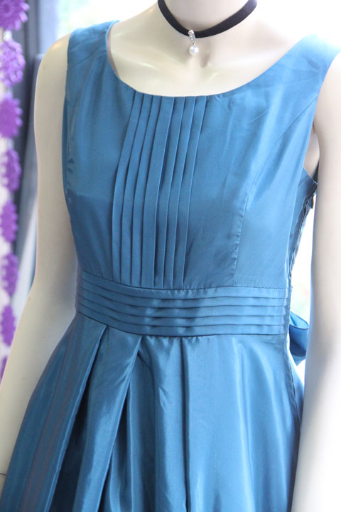 0c079a65dd384 ブルーグリーンタフタシンプルなドレス ブルーグリーンタフタシンプルなドレス ...