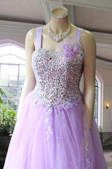 パープルシルバースパンと刺繍付きのゴージャスステージドレス