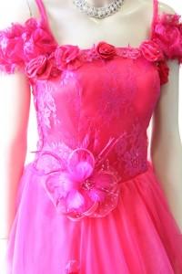 ピンクレース袖付きゴージャスドレス