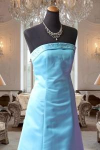 サックスブルーのAラインドレス