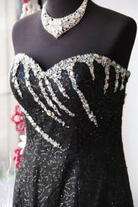 黒スパングリッターフリル使いマーメイドドレス