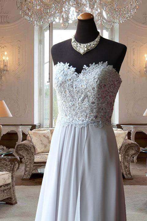 グレーレース刺繍付きスレンダーステージドレス