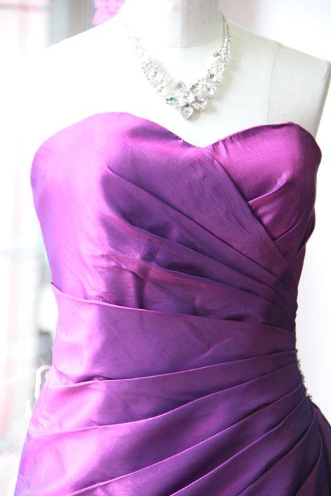パープルドレープ使いのビーズ刺繍付きAラインステージドレス