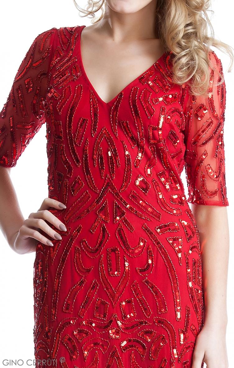 赤袖付き総スパン刺繍のゴージャスなステージドレス