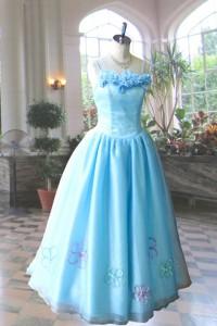 サックスブルーの小さいサイズのドレス